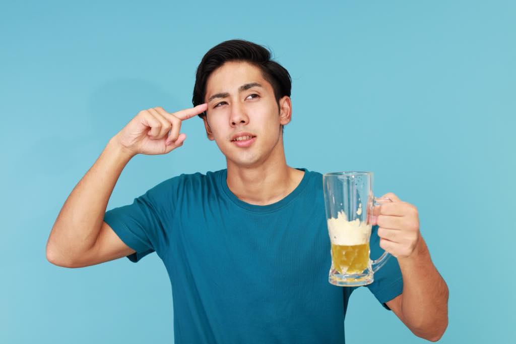 ビールを飲みながら考える人