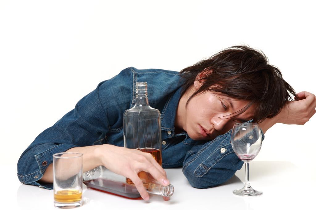 いつもお酒を飲むと眠くなる…それって体 ...