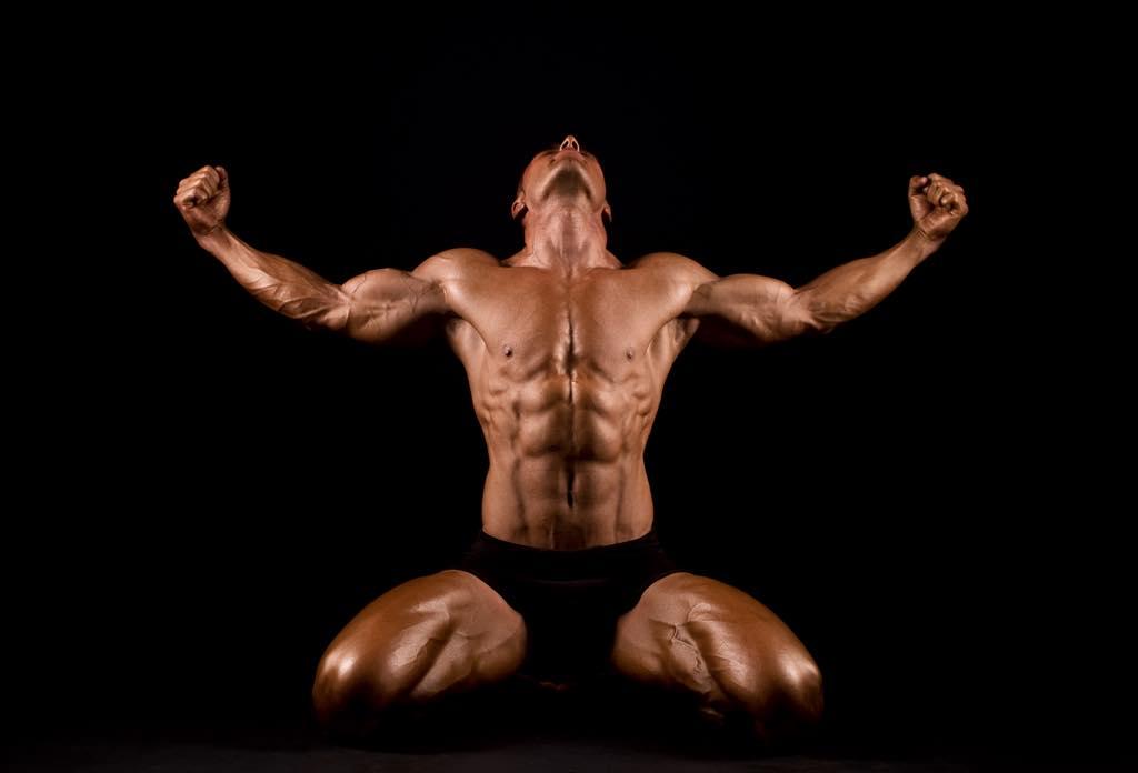 筋肉増量の効果を感じている男性