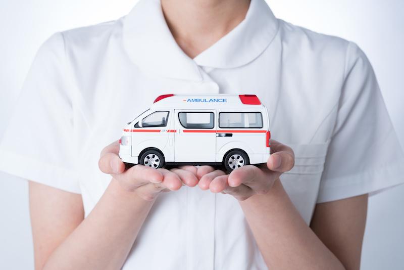 救急車とナース