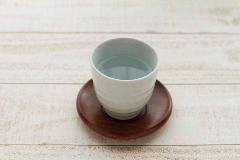 コップ一杯の白湯